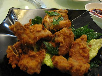 Fried Pork With Curry Leaves